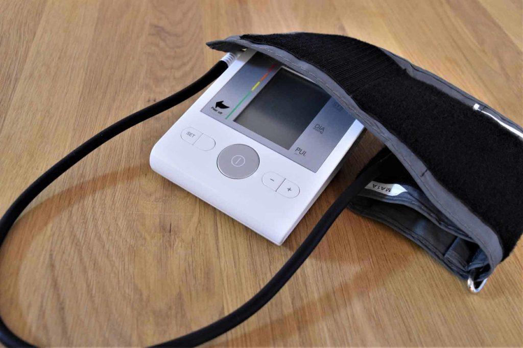 Blutdruckmessgerät-Er&Ge