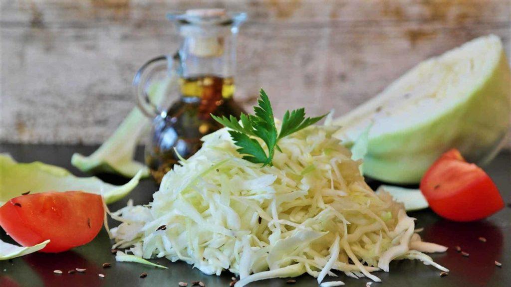 Weißkohl ist so gesund! -Weißkohlsalat in Vorbereitung- BellsWelt