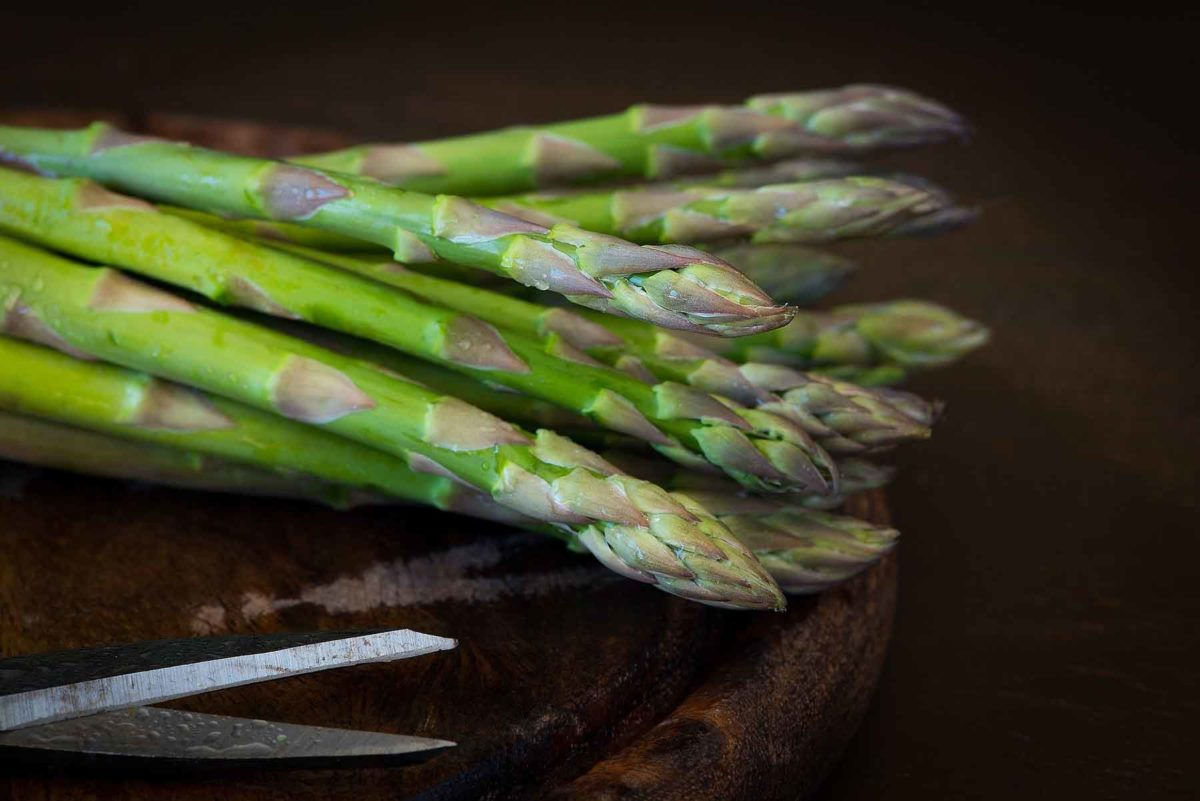 Spargel- -die Königin der Gemüse- Portion grüner Spargel - BellsWelt