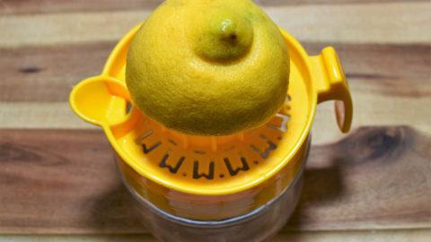 Zitrone auspressen-BellsWelt