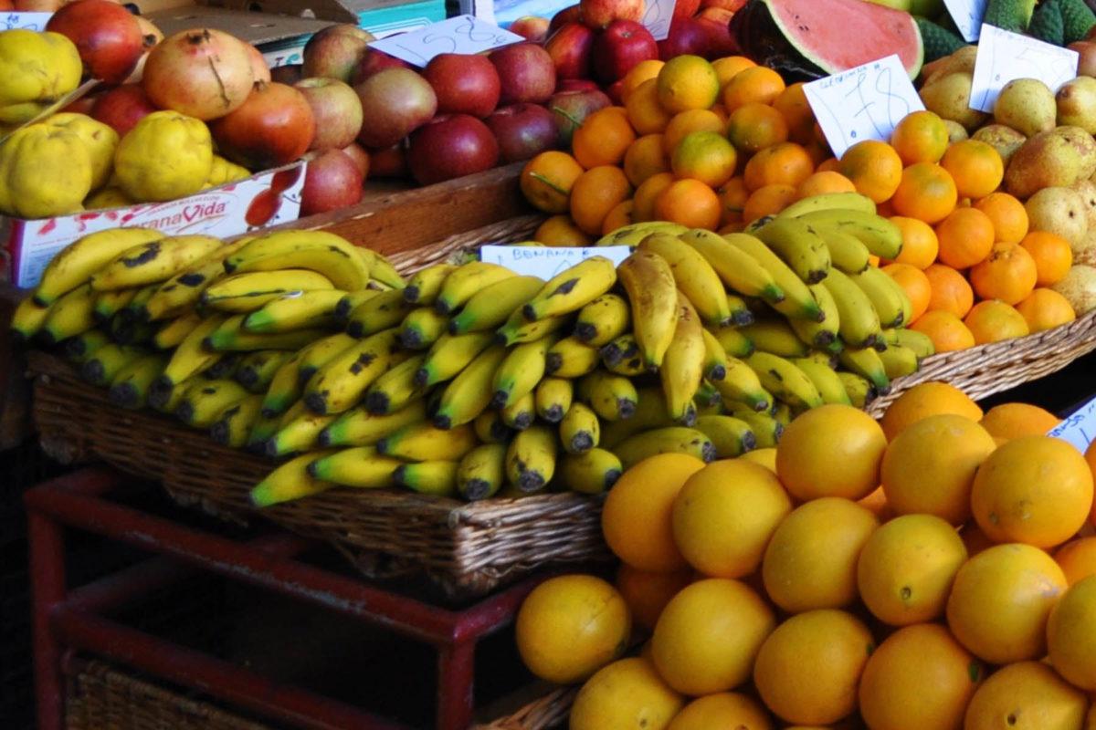 Bananen – halten uns fit und vital - Kanarische Bananen auf dem Markt - BellsWelt